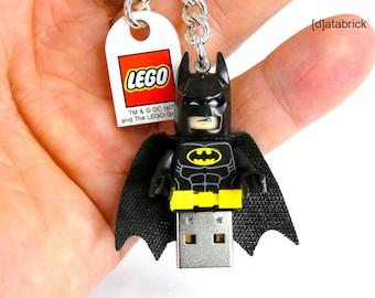 32GB USB 2.0 Flash Drive in original complete Lego® Superhero Minifigure Keychain Version