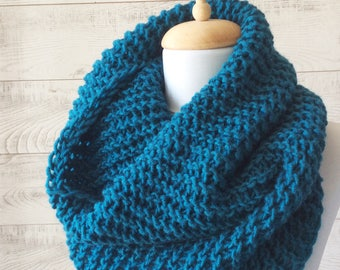 Teal knit scarf infinity scarf Winter Scarf Cowl Knit scarf women scarf, circle scarf, chunky scarf Many Colors FAST DELIVERY