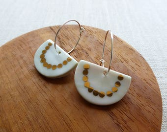 Half Moon With Gold Chain Hoop Earrings in Moss Peach Marble Clay