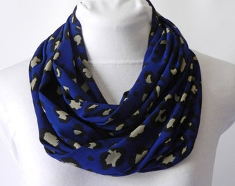 Leopard Scarf / Blue Scarf / Womens Fall Scarf / Circle Scarf / Best Friend Gift / Infinity Scarves / Print Scarf / Gift For Women Scarves