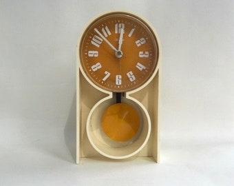 Super Sunbeam Plastic Pendulum Ivory Plastic Clock