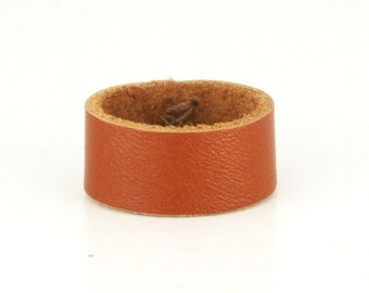 Plain leather ring