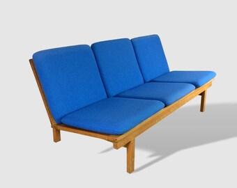 Børge Mogensen Sofa - Model 2218 - Danish Vintage Furniture - Fredericia Furniture - Three Seater - Kvadrat - Oak Couch - Collectible