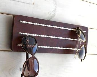 sunglass case,sunglasses storage,eyeglass display,eyeglasses décor,sunglasses rack,sunglasses display,eyeglasses stand,eyeglasses display