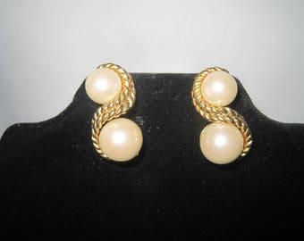 Gold Tone Faux Pearl