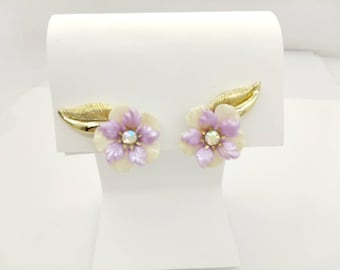 Coro  Lilac  Thermoset clip earrings Mint Condition Art Deco  Gold  setting Bright  Cheery