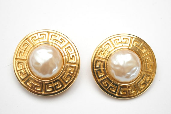 Givenchy  Gold  Pearl  Earrings   Gole plated Emblem circle  white cabochon Chunky Clip on  Earrings