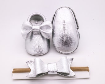 Baby Moccasins, Baby Silver Bow Moccasins, Baby Leather Shoes, Genuine Leather Moccs, Toddler Moccasins, Baby Moccs, Baby Shower Gift