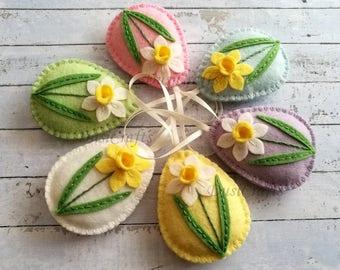 Pastel Easter ornaments, Felt easter decoration, Daffodil Easter eggs, Pastel egg, Easter flower eggs / 1 ornament
