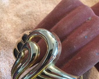 Unsigned goldtone clamp bracelet