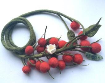Felted necklace  Cherry - Felt necklace- Handmade- Wool necklace - Necklace Red cherry  - Belt wit berries