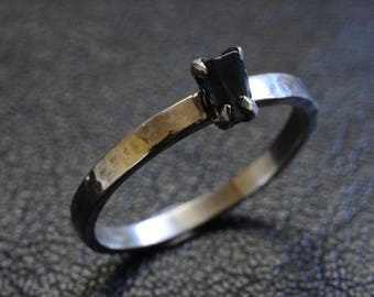 Raw Australian Sapphire ring, Silver claw engagement hammer tone stackable ring