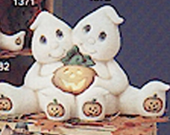 """Halloween Cuddle Ghosts 7"""" x 12"""" Ceramic Bisque, Ready To Paint"""