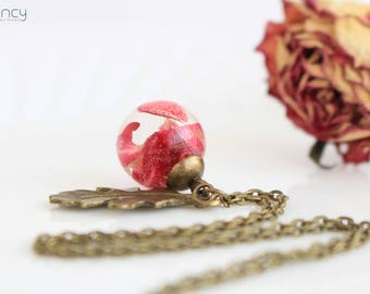 Rose petals necklace , mini terrarium jewelry , romantic gifts for her , dried rose petals , dried flower necklace , boho necklace for women