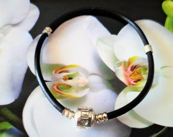 Black leather bracelet Love 19.5 Cm clasp to Clip, 3 mm d thickness for large hole European beads Bracelets, Pandora Style