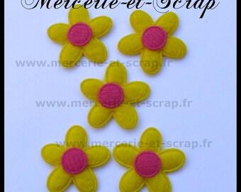 LOT 5 flowers fuchsia felt 0159 25mm yellow rose embellishment