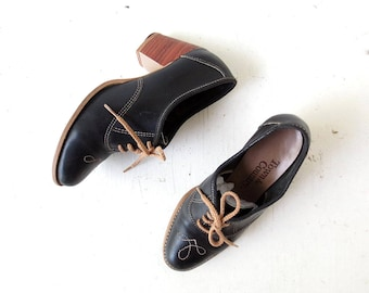 Vintage Oxford Heels   Cowgirl Librarian   1970s Shoes   Size 7