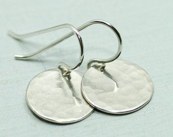 Silver disc earrings - minimalist earrings - simple silver earrings - silver circle earrings - sterling silver jewelry - gift for her