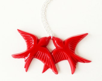 Red vintage plastic swallow love birds silver necklace