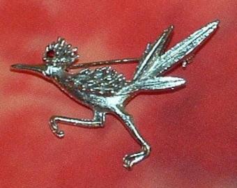 Vintage silver tone Road Runner brooch with Red Rhinestone Eye, Novelty, Bird