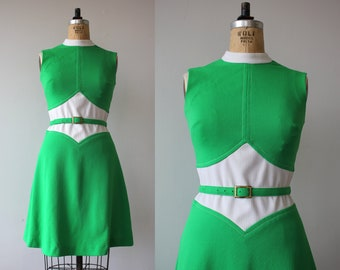 vintage 1970s dress / 70s green white polyester dress / 70s day dress / 70s a line dress / 70s sleeveless dress / small medium