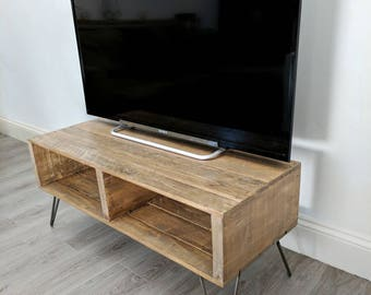 Retro Reclaimed Pallet Wood TV Stand TURVAS in Rustic Medium Oak & with Storage for media units, with Vintage Hairpin Legs/ Box Table