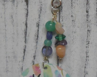 Mama Bear with 1 cub keychain feather background- 1 cub- beading- mama bear keyring-key chain - key ring