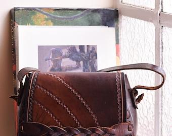 Vintage Leather Saddle Bag, Leather Shoulder Bag Southwestern 70s Bag, Hand Tooled Handbag, Festival Boho Bag, Leather Satchel Bag