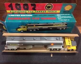 1993 Shell Silverado Toy Tanker Truck with Light and Sound