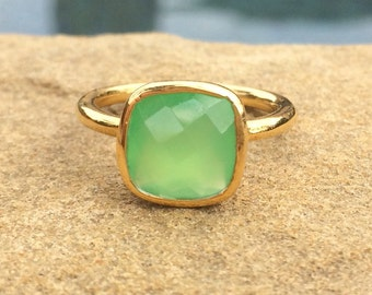 Green Chalcedony Ring, Peridot Chalcedony, August Birthstone Ring, Chalcedony Faceted Stackable Ring, Green Ring