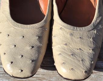 Vtg NOS I Magnin Handmade Genuine Ostrich Cream Leather Heels Size 9 or 9 1/2