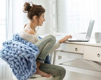 Premium Collection. Ohhio's Grande Punto blanket. Chunky blanket. Extra Fine Merino wool (19-micron merino wool)