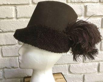 Antique Robin Hood hat wool felt hat boucle plumes 1920