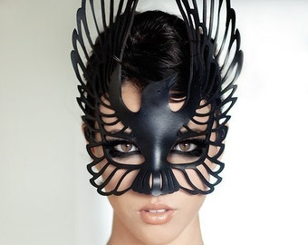 Raven leather mask