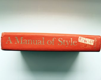 Book | A MANUAL OF Style | instructional lit  by The University of Chicago Press