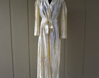 Vintage Champagne Colored Robe by Barad & Co