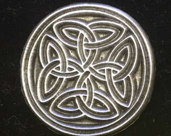 Pewter button with knotwork