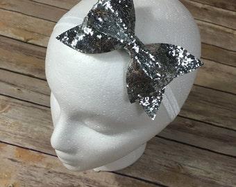 Silver sparkle bow