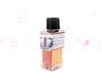 """Natural Perfume oil, Honey comb, Rose Fragrance """"the Rose Bee"""" Botanical Perfume, Hay, Clover, cruelty free Rose Perfume, Saffron"""