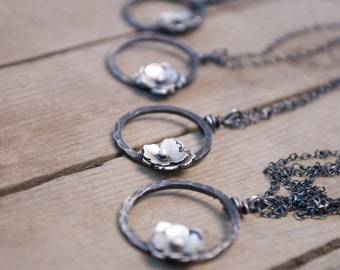 flower circle necklace in sterling silver - small floral nature bridesmaid wedding jewelry - necklace