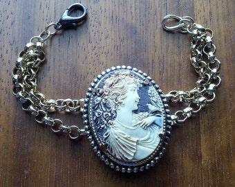 A Little Bird Told Me- Resin Cameo & Vintage Chain Bracelet