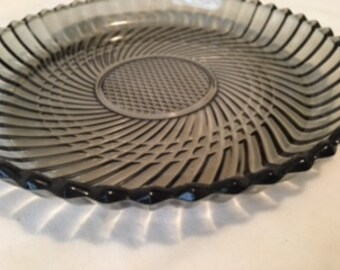 Rare Vintage Libbey of Canada Party, Salad, or Dessert Plates With Rims