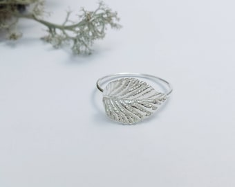 Silver Leaf Ring, Minimalist Leaf jewelry, Silver, Sterling Silver ring, Botanical Jewelry, Nature Jewelry, Woodland