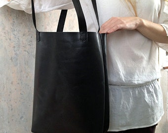 Black leather tote bag Simple leather shopper Leather tote bag with pockets inside Black leather laptop bag 13 inches Everyday shoulder bag