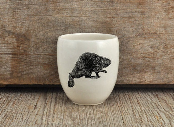 Handmade Porcelain coffee tumbler with North American beaver drawing Canadian Wildlife collection