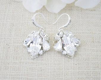 Simple crystal drop wedding earrings, Bridesmaid earrings, Swarovski rhinestone bridal earrings, Petite vintage style earrings