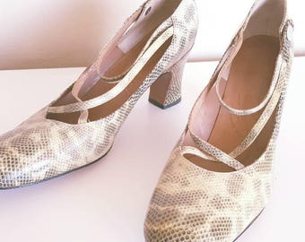 SALE | Vintage 1950s Cream Faux Snakeskin Leather Heels by Contour French Room Size 7