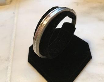Vintage sterling silver filigree bangle