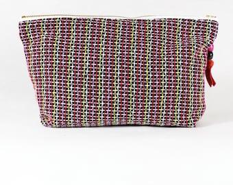 Upcycled tissu multicolore sac cosmétique / trousse zippée