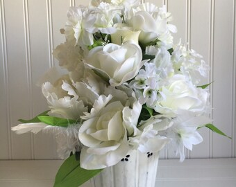 White flower arrangement - white floral centerpiece - cottage decor - Birthday gift - floral housewarming gift - Mother's day gift